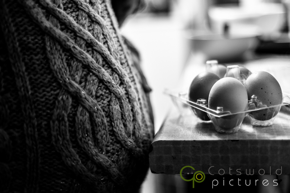 project-365-pregnant-baby-cake-making-eggs-icecream-cotswold-pictures-wedding-photography-gloucestershire
