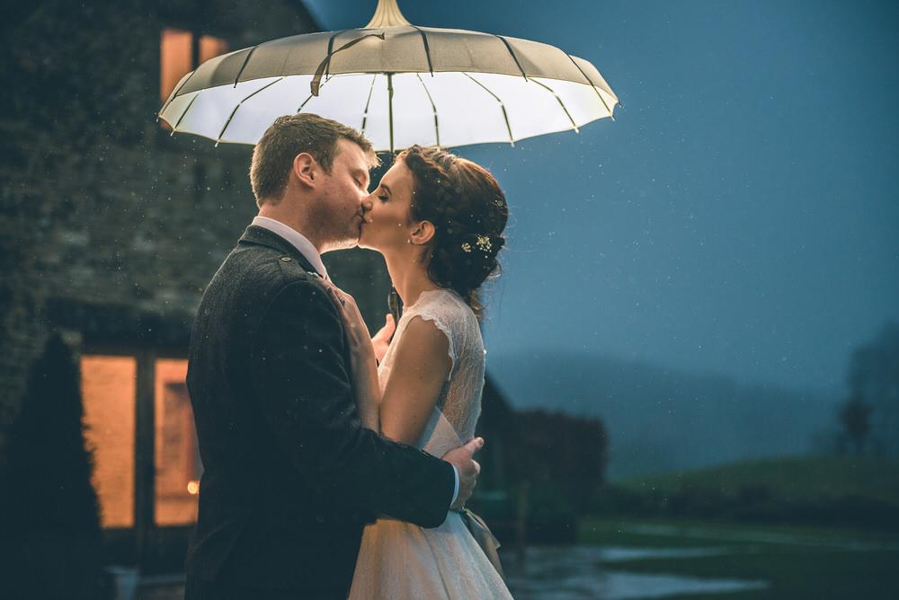 kingscote-barn-wedding-photography